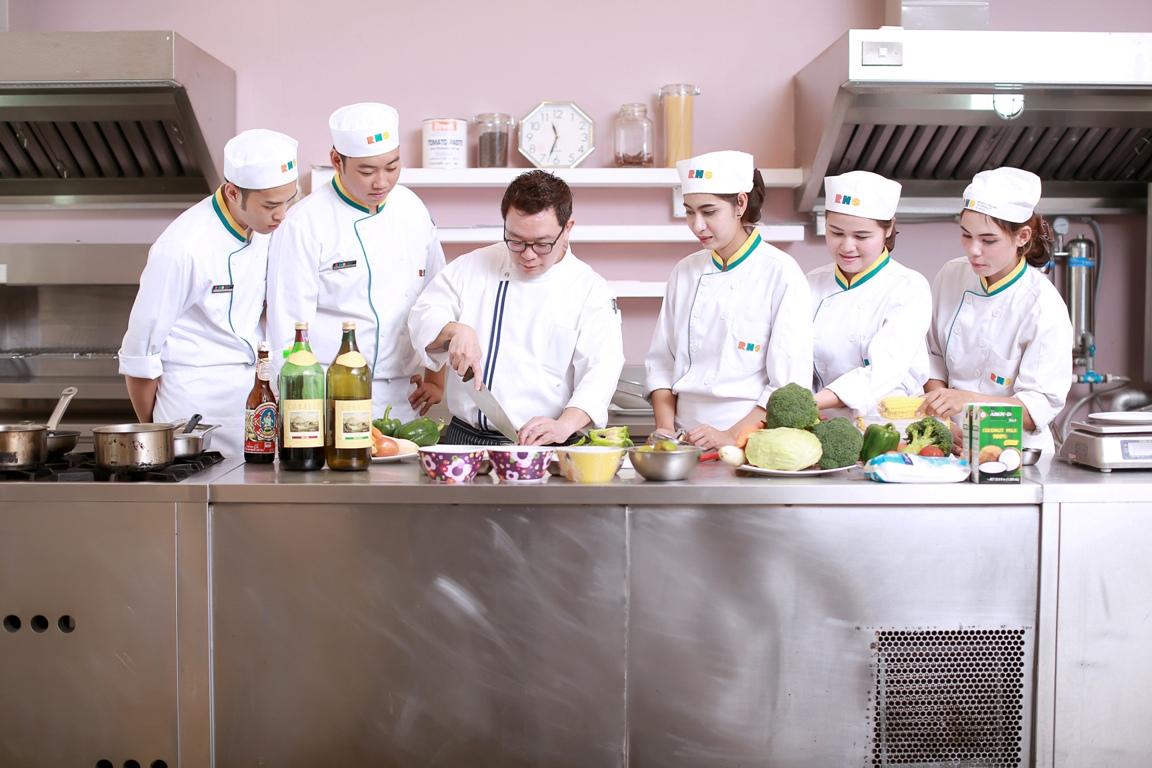 หลักสูตร 9 เดือน เรียนทำอาหาร ที่ RHS เป็นยังไง?